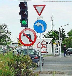 Lustige Verkehrsschilder