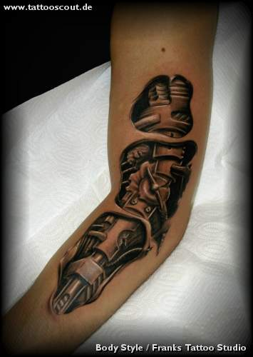 Biomechanik Tattoo Arm Biomechanik Stodmpfer Waade With Biomechanik