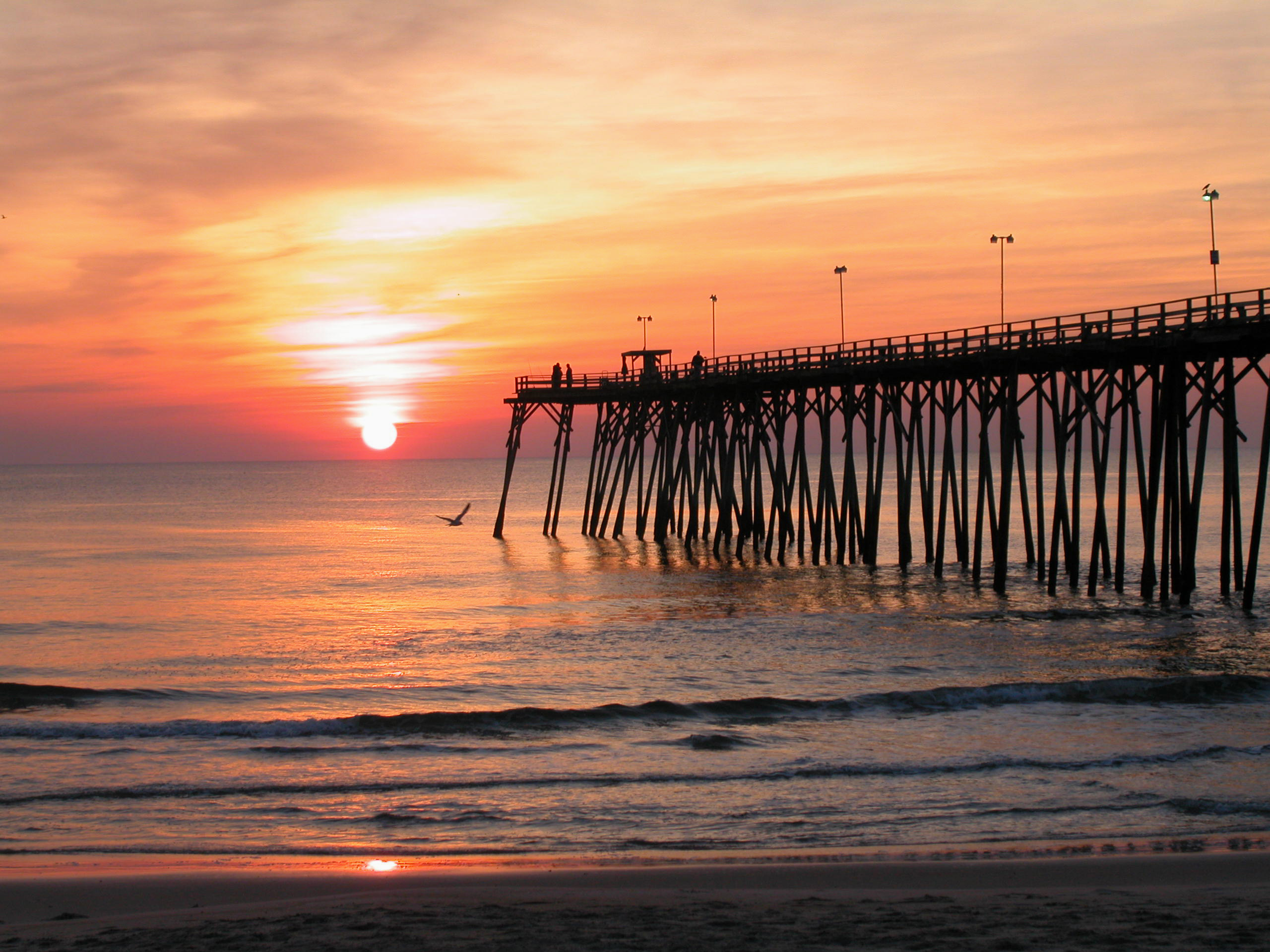 Kure-Beach-Fishing-Pier-at-Sunrise-Wilmi