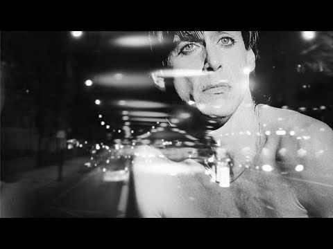 Youtube: Iggy Pop - The Passenger (Official Video)