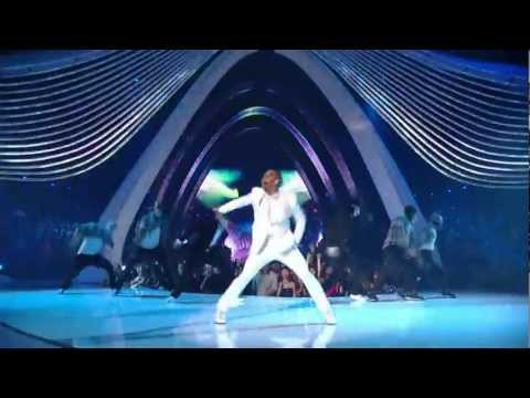 Youtube: Chris Brown performs Beautiful People ( Benny Benassi ) @ MTV Video Music Awards 2011