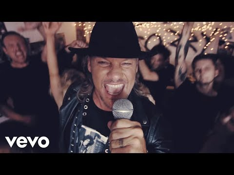 Youtube: Fozzy - Burn Me Out (Official Video)