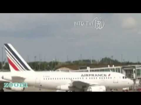 Youtube: Fast UFO over Paris, France - TV News about Air France Strike - September 2014
