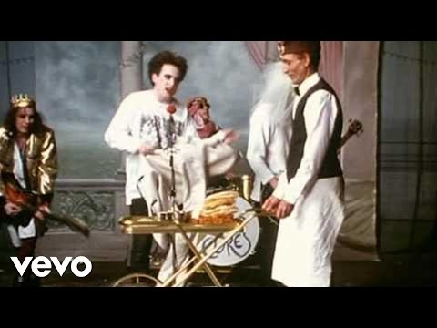 Youtube: The Cure - Friday I'm In Love (Official Video)