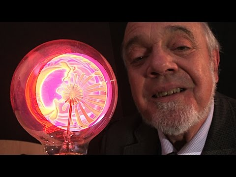 Youtube: Unusual Japanese Electric Light Bulbs (RESHOOT)
