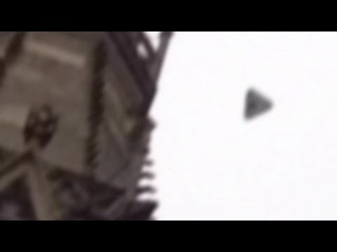 Youtube: Triangular UFO over Reutlingen, Germany on 12/02/2013